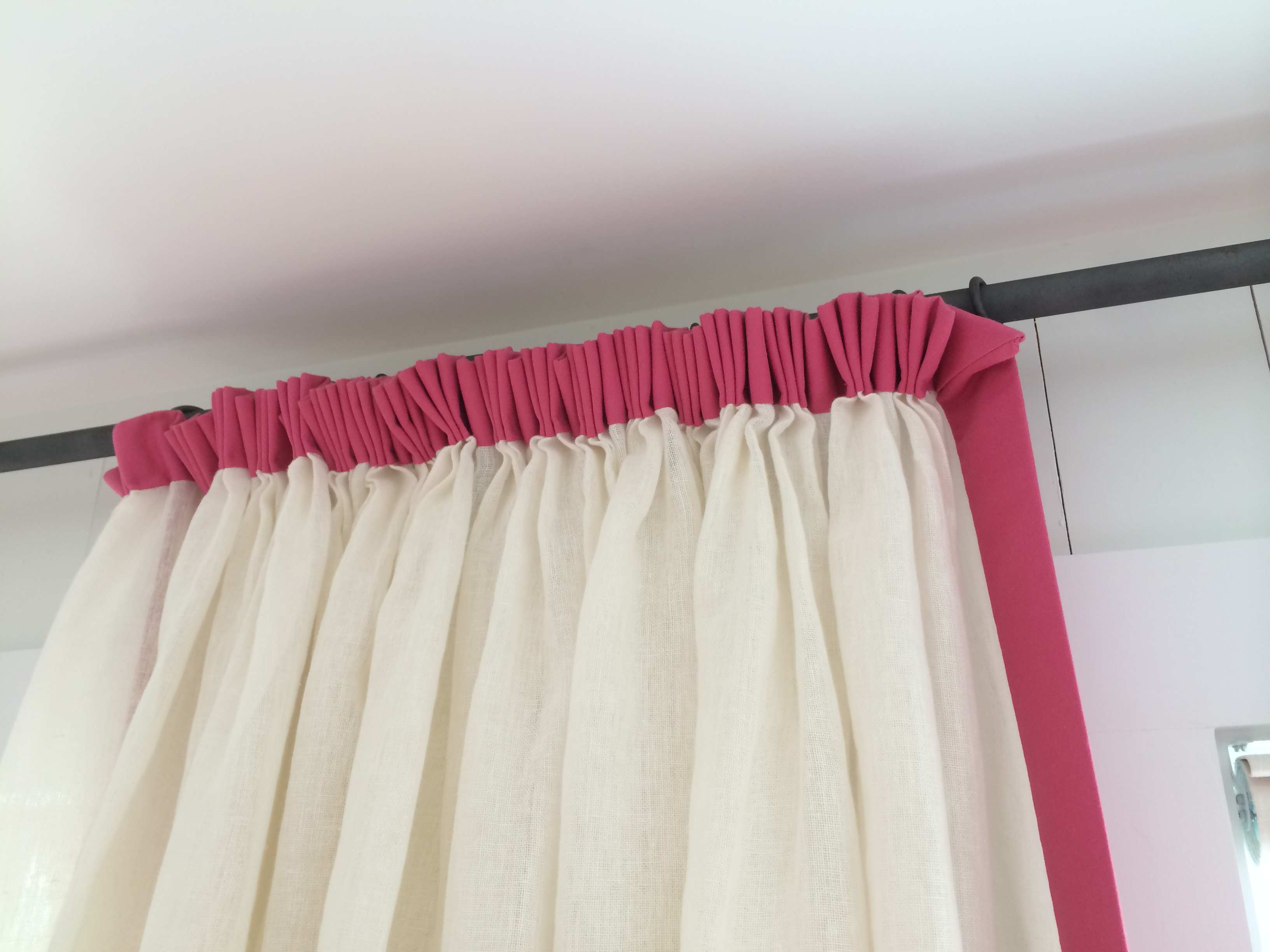 guest bedroom curtain heading